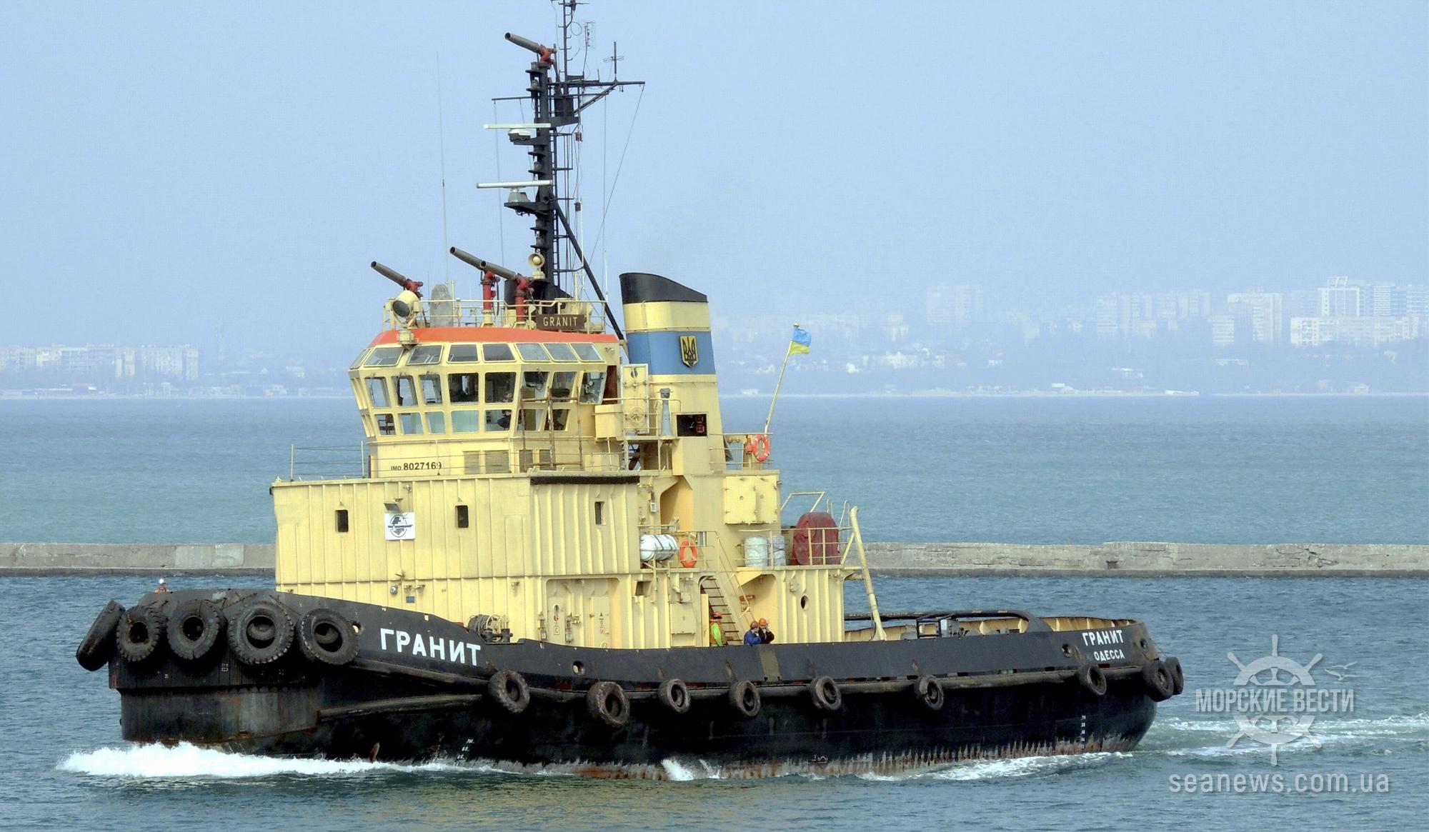 Одесский морпорт проводит ремонт самого мощного судна портофлота