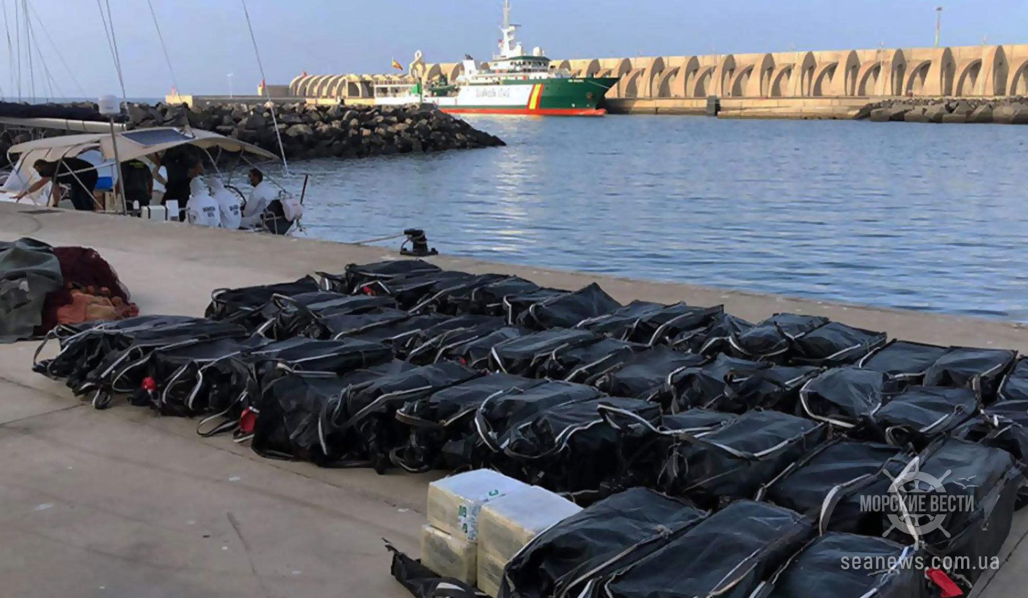 Полиция Испании перехватила судно с тонной кокаина на борту