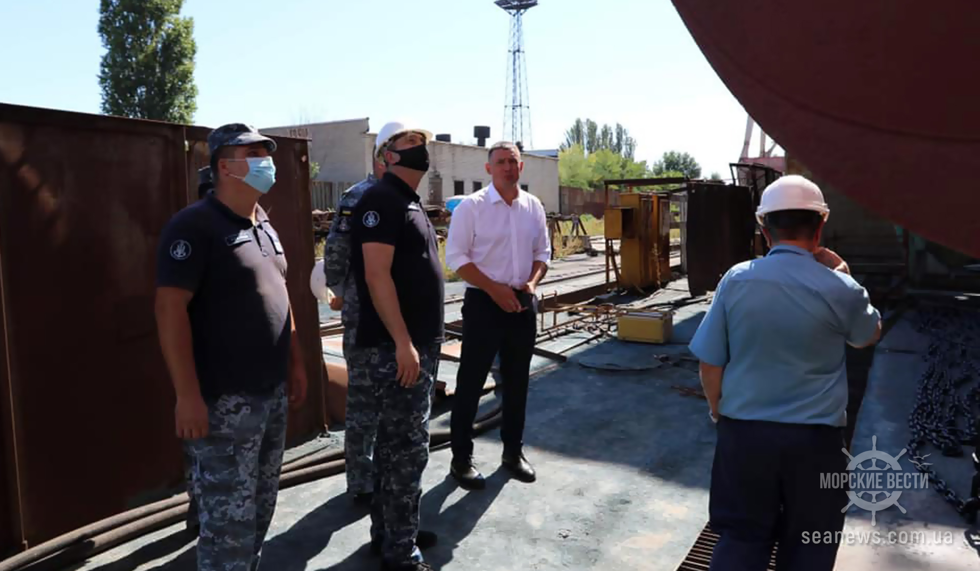 Командующий ВМС Украины посетил николаевские судостроительные заводы