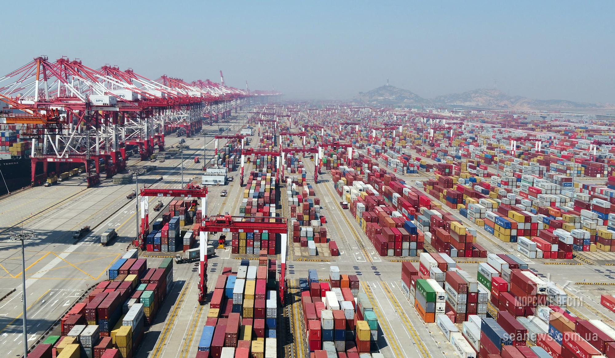 Контейнерооборот порта Шанхай сократился на 1,7%