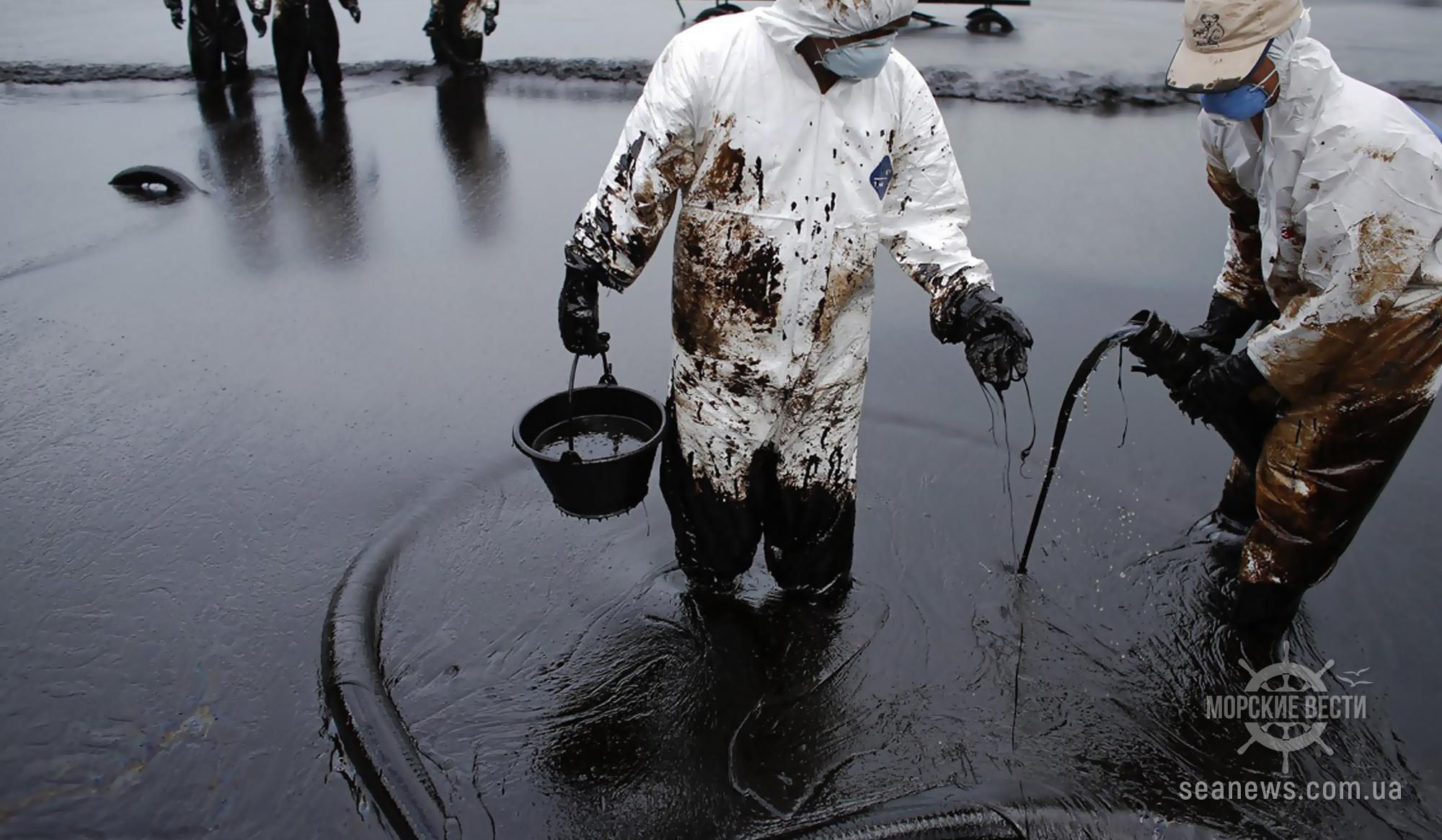 На нефтяном терминале в Литве произошла утечка 2 тонн нефти