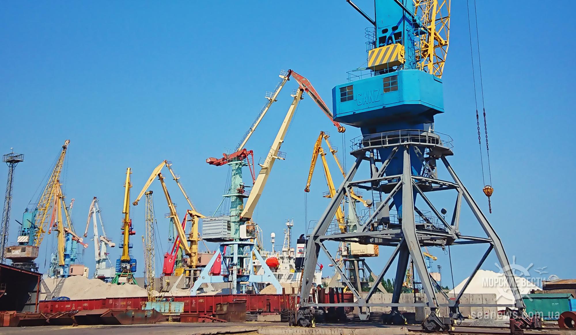 Правительство изменило стратегию развития морпортов Украины до 2038 года