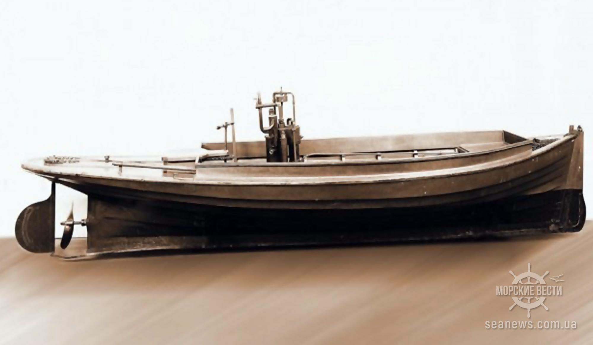 135 лет со дня спуска на воду первой в истории моторной яхты