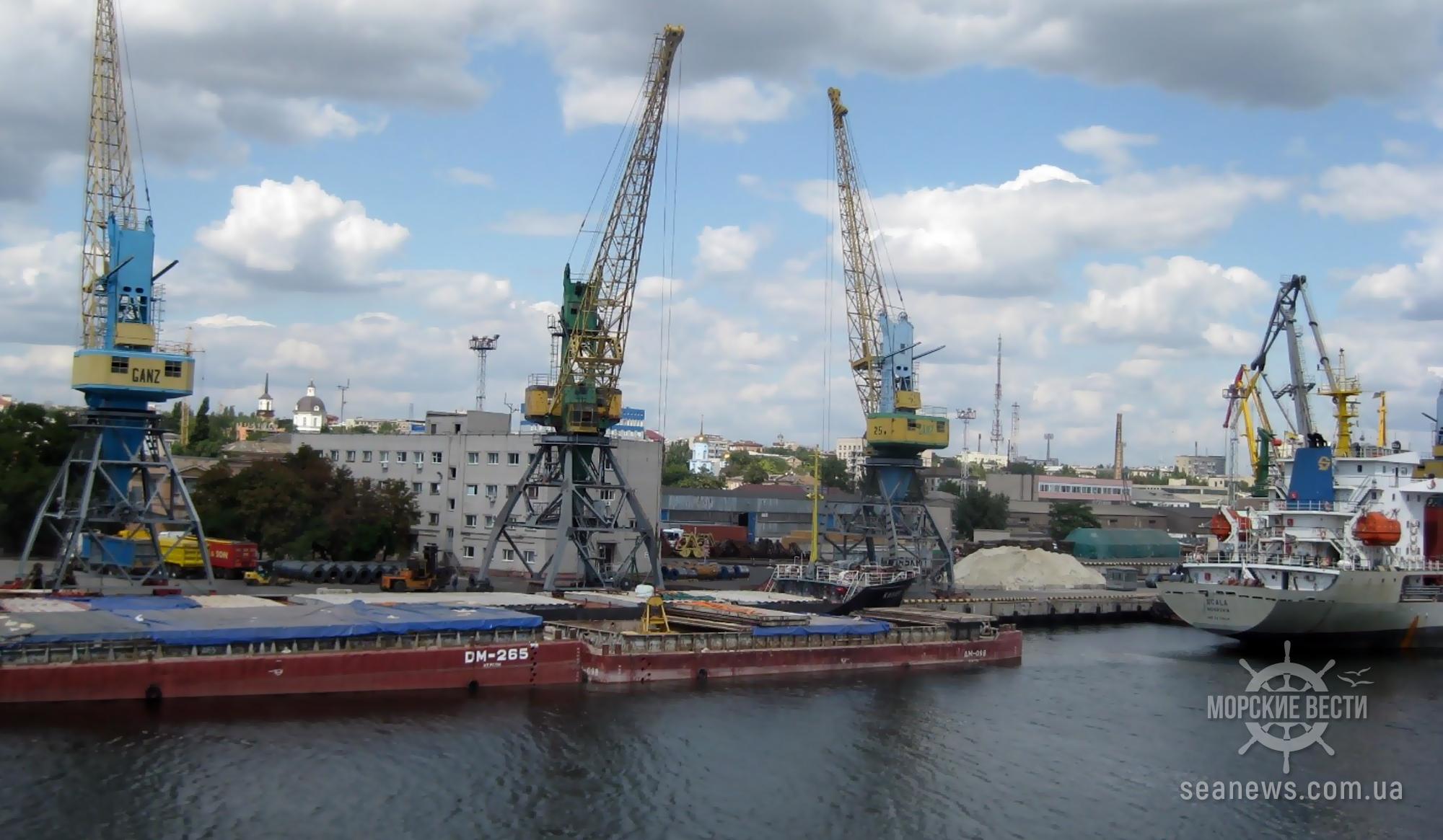 В двух украинских портах ограничены операции с зерновыми грузами