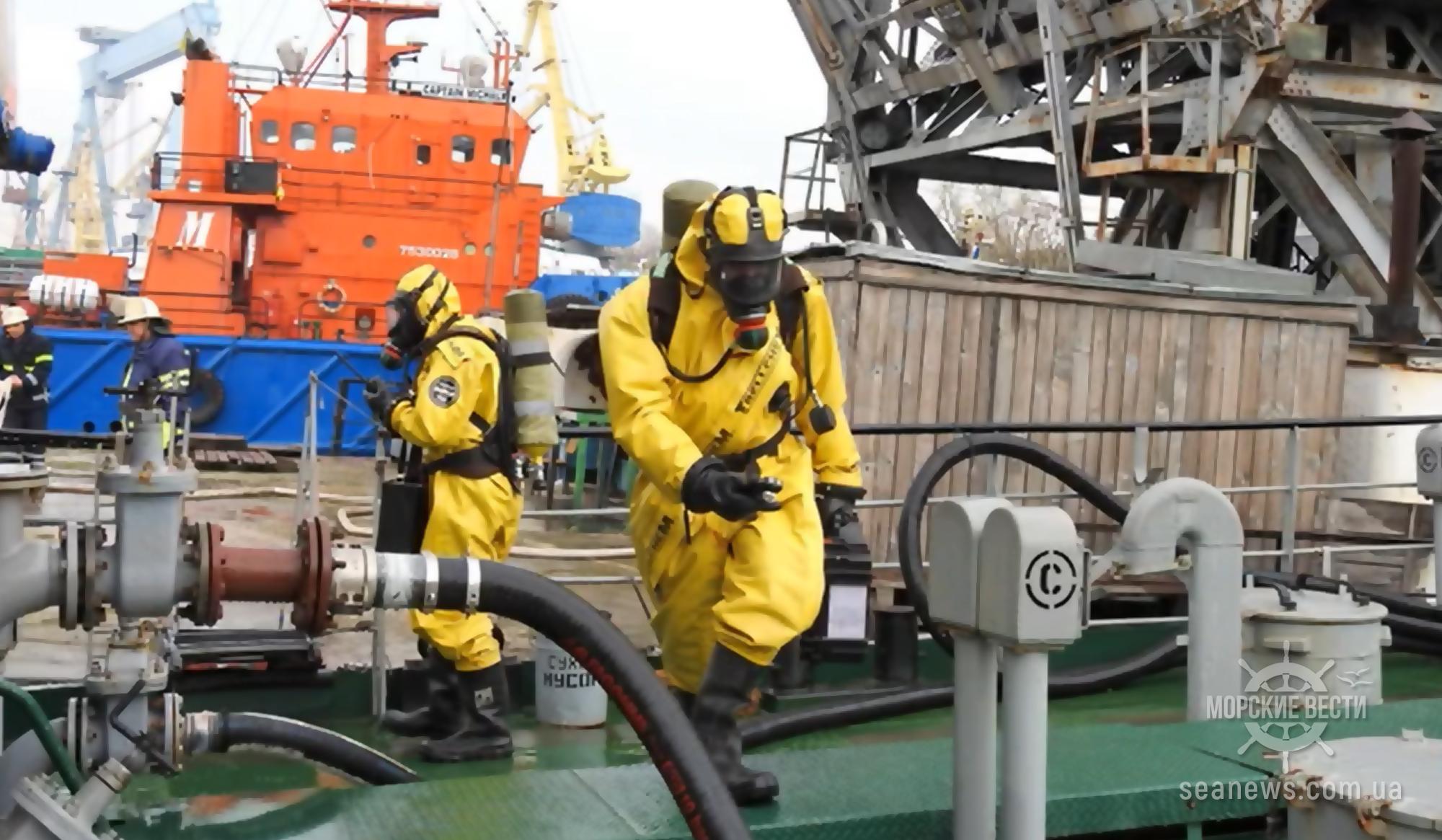 В Николаевском морпорту «ликвидировали» разлив нефти