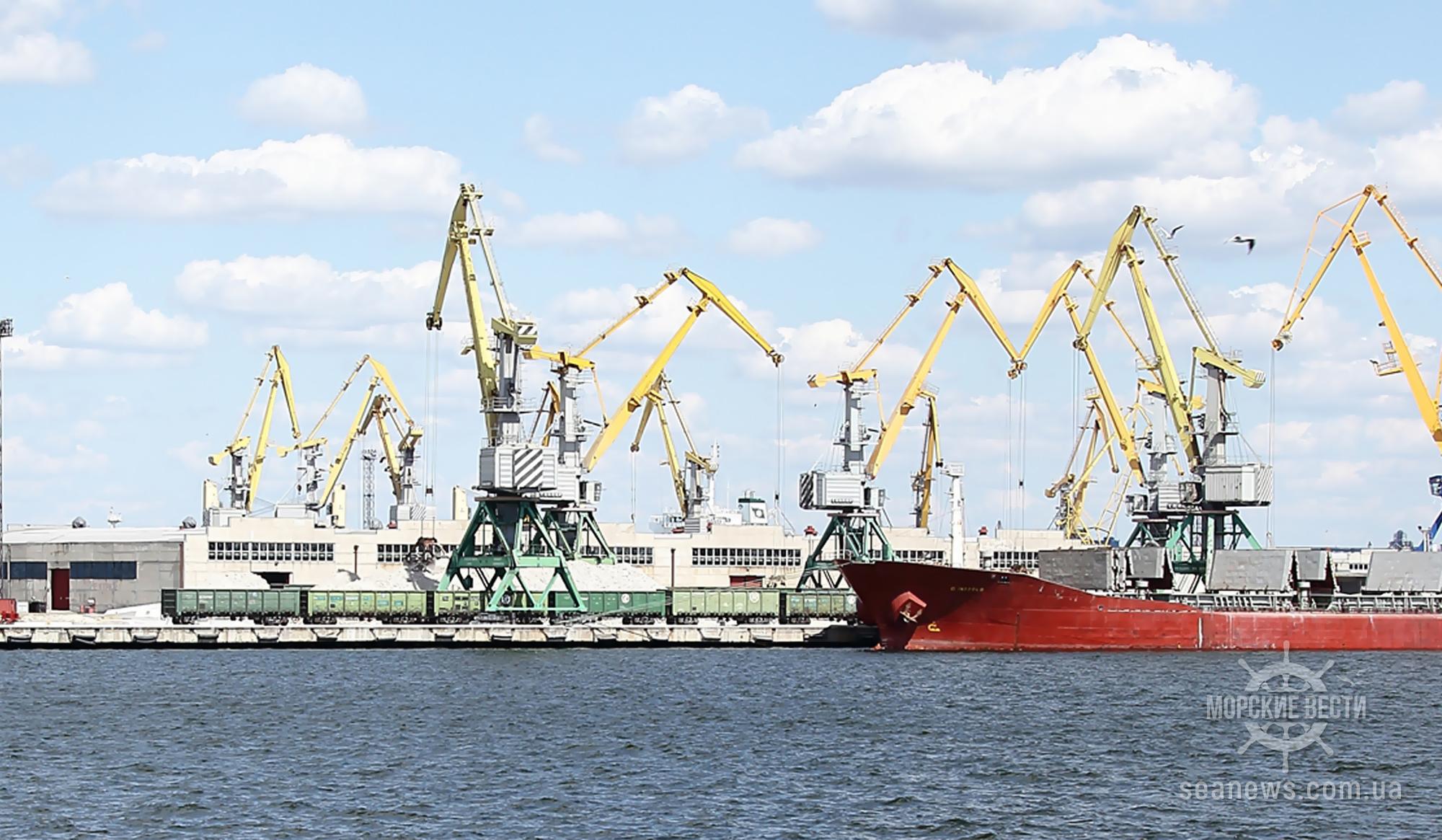 Кабмин определил границы акваторий трех портов