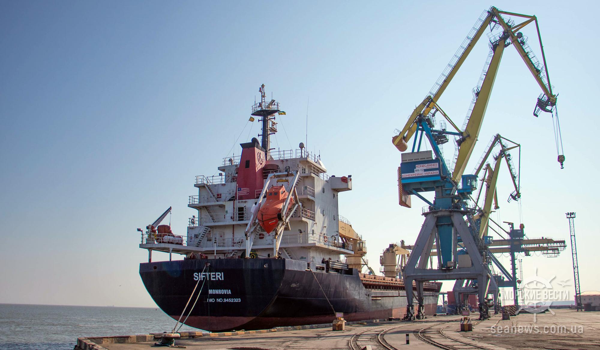 Порты Украины продолжают снижать отрицательную динамику перевалки зерна